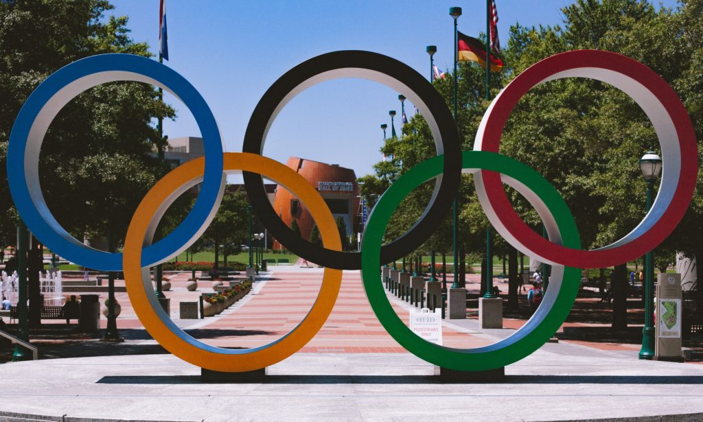 Statue of the Olympic rings.